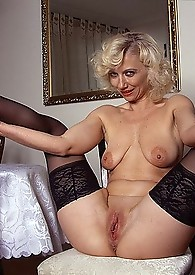Porno granny has excellent ass