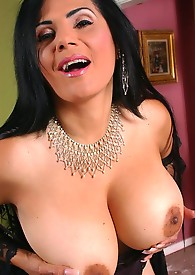 Busty mature babe masturbating