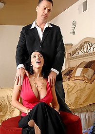 Anilos babe in a bra lets her cleavage spill out during her interview